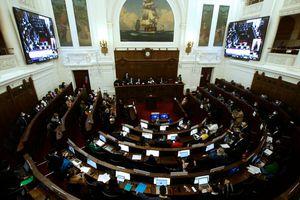 Convención Constitucional suspendida: se detectó un caso positivo covid-19