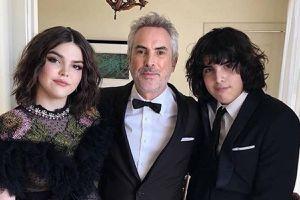 Los hijos de Alfonso Cuarón reaparecen demostrando que ya son todos unos adolescentes