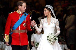 El segundo vestido de novia de Kate Middleton con el que lució como toda una princesa y nadie vio