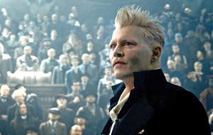 """Johnny Depp anunció que dejará el papel de Grindelwald en """"Animales Fantásticos"""""""