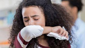 Coronavirus: ¿lo estornudos son síntomas del COVID-19?