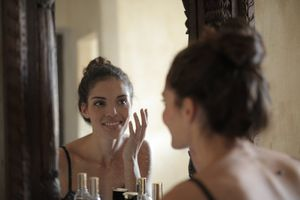 O ingrediente anti-envelhecimento que você deve procurar em seus produtos de beleza