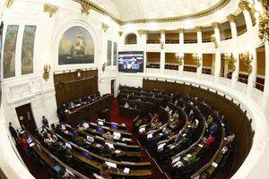 """Revuelo por retiro de """"República de Chile"""" en artículo del reglamento de la Convención"""