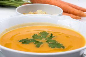 Mejora tus defensas con esta nutritiva crema de zanahoria