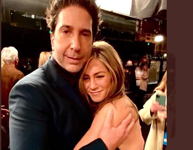 """Jennifer Aniston y David Schwimmerinician romance tras el reencuentro de """"Friends"""""""