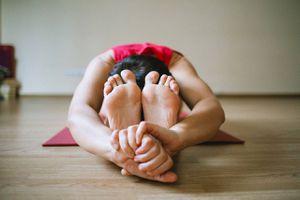 Tres posturas de yoga que te harán a dormir plácidamente