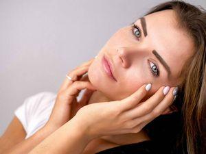 Mascarilla de aceite de coco para aliviar los síntomas de la piel rosácea