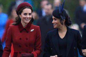 Las veces que Meghan Markle y Kate Middleton se robaron la atención con atrevidos atuendos rojos