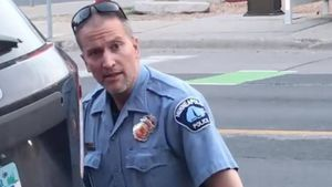 Filtran la foto de Derek Chauvin con el uniforme de preso tras ser declarado culpable de la muerte de George Floyd