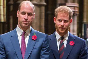 Así es como los príncipes William y Harry se mantienen en contacto sin Kate ni Meghan