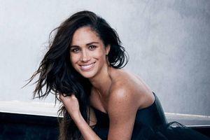Meghan Markle muestra el escote que le va perfecto a las mujeres de más de 30 años