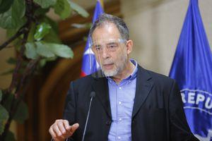 """Reforma tributaria y """"ejército de trazadores"""" proponen tras cónclave de mínimos comunes"""