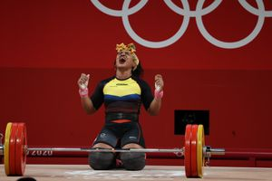 Tamara Salazar logró medalla de plata con su rodilla lesionada
