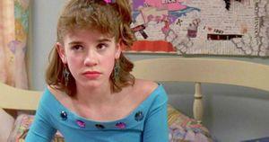 La niña actriz de 'Si tuviera 30' ya creció y así  luce realmente recreando la escena
