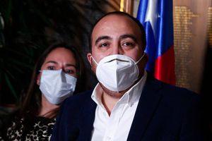 "Fuad Chahín acusa a Camila Vallejo de usar ""lógicas chavistas"" para cambiar quórum de Convención Constituyente"
