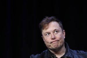 Elon Musk reconoce varios fallos de los Tesla y da esta inusual recomendación