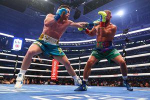 El momento del brutal golpe con el que Canelo Álvarez le rompió el pómulo a Joe Saunders