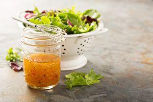Recetas de aderezos saludables para acompañar tus comidas