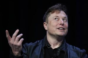 Teoría conspirativa de Elon Musk tras 4 pruebas de covid: da positivo y negativo en otras dos