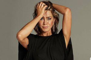 Jennifer Aniston se muestra sin maquillaje y con mascarilla para enviar un poderoso mensaje
