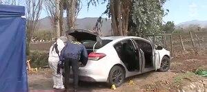 Encuentran cuerpo con al menos 10 disparos en acequia de María Pinto