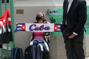 Pandemia aleja a turistas y agudiza la añeja crisis en Cuba