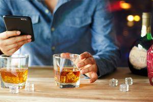 Consumo de alcohol provocó cáncer en al menos 100 mil bebedores moderados durante 2020