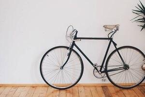 VIDEOS: Convierte una bicicleta común en una para hacer ejercicios en casa