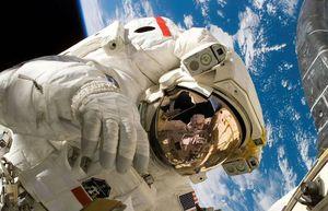 NASA: jefe de misiones tripuladas renuncia justo antes de misión con SpaceX