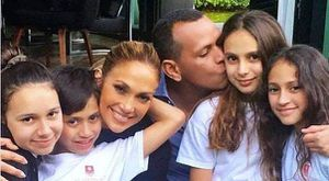 La selfie de Jennifer Lopez con su hija en la que lucen idénticas