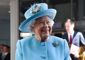 """""""Se senta em um trono resultado da pilhagem colonial"""", disse o porta-voz do Black Lives Matter do Reino Unido sobre a Rainha"""