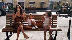 El hijo menor de Kourtney Kardashian muestra un look insuperable con su cabello largo hasta la cintura