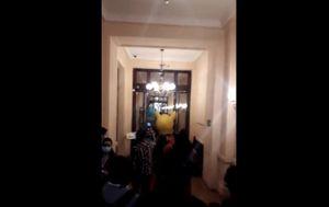 Giovanna Grandón entró como Tía Pikachu al edificio de Convención Constituyente