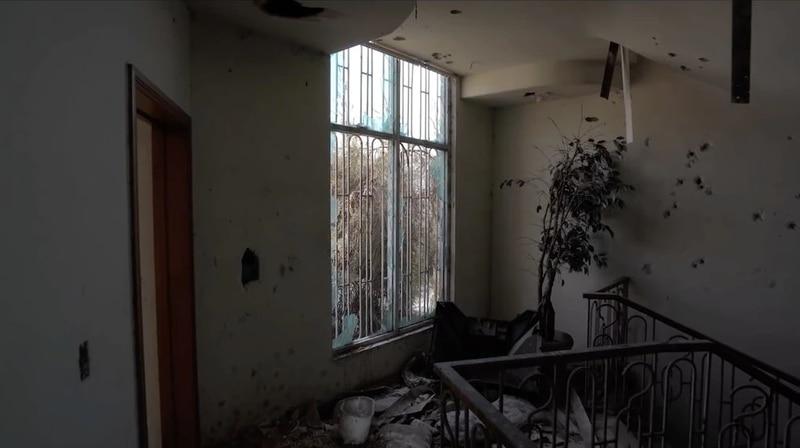 Baleada y en ruinas: Así está la casa de Eduardo Arellano Félix
