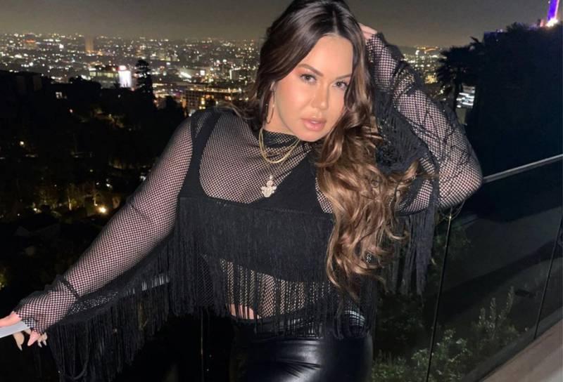 Chiquis Rivera presume su abdomen bailando al estilo de Shakira