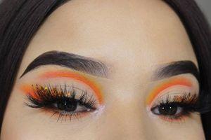 Maquillaje de ojos con sombras neón para tus fotos en redes sociales