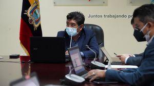 """Jorge Yunda vuelve hablar de su hijo: """"tuvo la indelicadeza de cruzarse chats con funcionarios"""""""