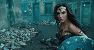Gal Gadot reveló póster de 'Wonder Woman 1984'; el primer tráiler saldría en diciembre