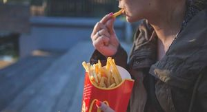 Amenazó con robar un McDonald's porque no le dieron suficiente salsa con su pedido