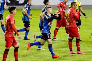 Cris Martínez se debate entre las selecciones de Paraguay y Chile