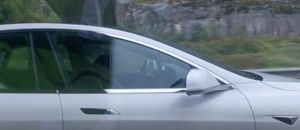 El piloto automático de Tesla evita el posible accidente de un conductor ebrio