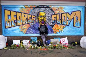 Derek Chauvin y otros agentes fueron acusados de violar los derechos civiles de George Floyd