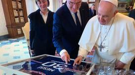 Este fue el especial regalo que envió Messi al Papa Francisco