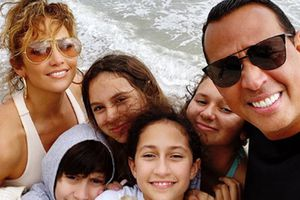 Jennifer Lopez y Alex Rodriguez compran una modesta casa en Los Ángeles con decoración minimalista