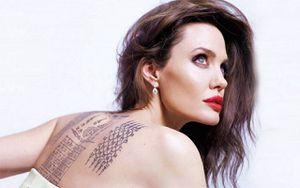 Más de 20 tatuajes unicolor tiene Angelina Jolie y esto es lo que significan