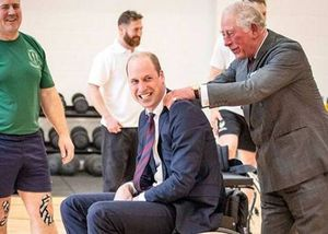 El tierno video del príncipe Carlos con su hijo  William que muestra su gran conexión
