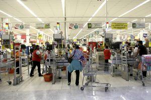 Adultos mayores podrán regresar como empacadores en supermercados