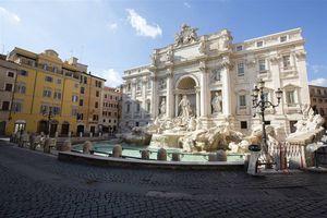 Roma multará con hasta $438.000 por botar mascarillas en la calle
