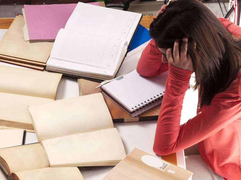 El creciente dilema de las tareas en línea