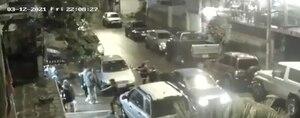 Quito: Ladrones armados se bajan de un auto para robar a comensales en la Guangüiltagua